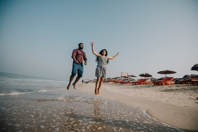 The couple was seen having a gala time at the beach during their pre-wedding shoot.