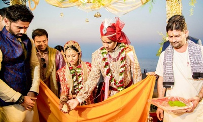 Traditional Indian wedding ceremonies at the sea facing Hotel Novotel, Juhu
