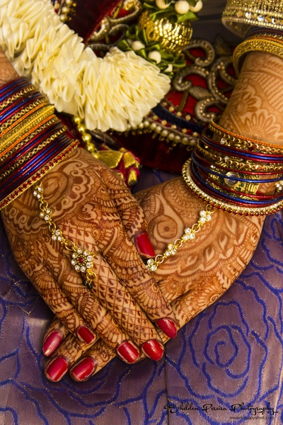 Intricate mehendi designs for the bride