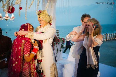 The surreal Varmala ceremony by the beach