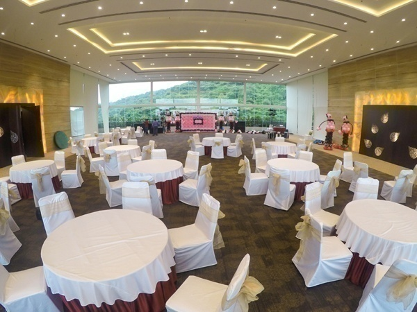 chic ac banquet hall for wedding