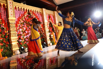 The bride giving a dhamakedaar performance on her sangeet.