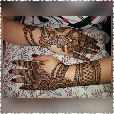 Pari Beauty Studio | Mumbai | Mehendi Artists