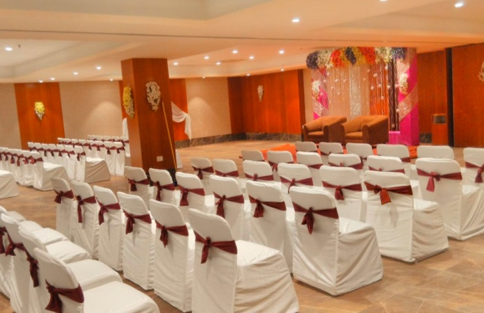 Hotel Solitaire Moudhapara Raipur - Banquet Hall