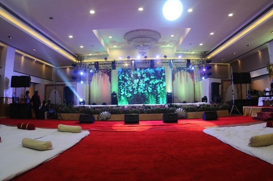 aditya banquet hall borivali west mumbai banquet hall wedding lawn. Black Bedroom Furniture Sets. Home Design Ideas