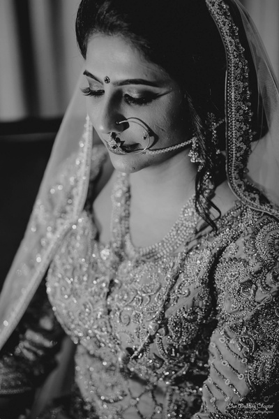 The bride looks absolutely mesmerizing