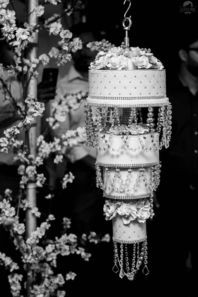 Black and white picture of the chandelier cake