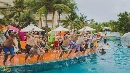 Cocktail Nights/Pool Parties: Let the Party Begin!