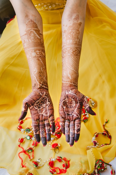 hand mehendi designs of the bride