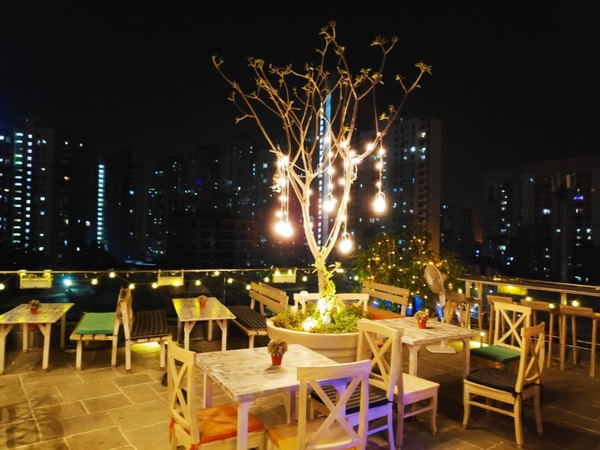Maamouche's Alchemy Terrace Bar Sector 104 Noida - Banquet Hall