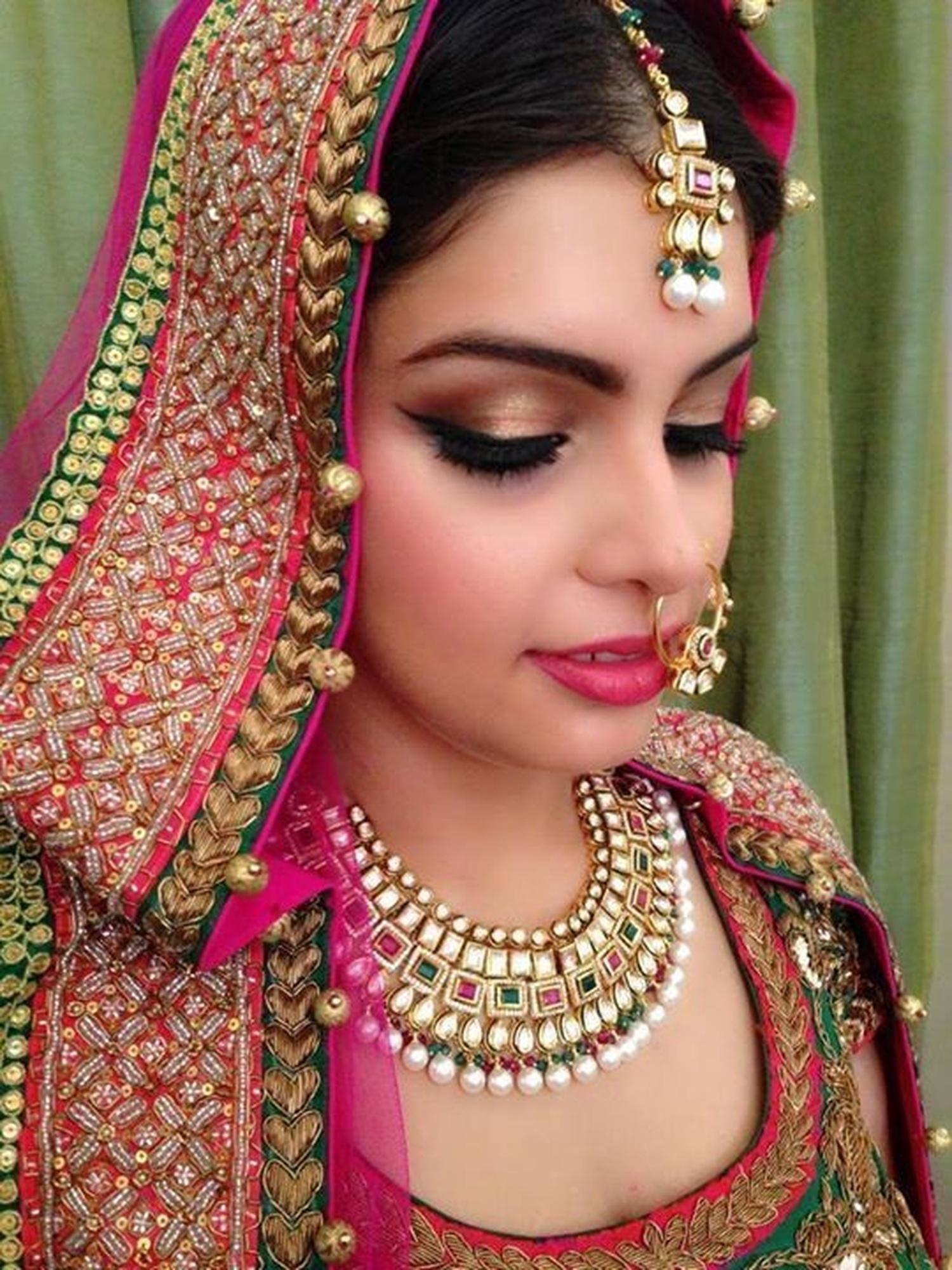 Best Bridal Makeup Reviews : Kinjals Makeovers, Bridal Makeup Artist in Marine Lines ...