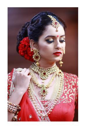 Lofiel The Beauty Parlour & Spa | Ahmedabad | Makeup Artists