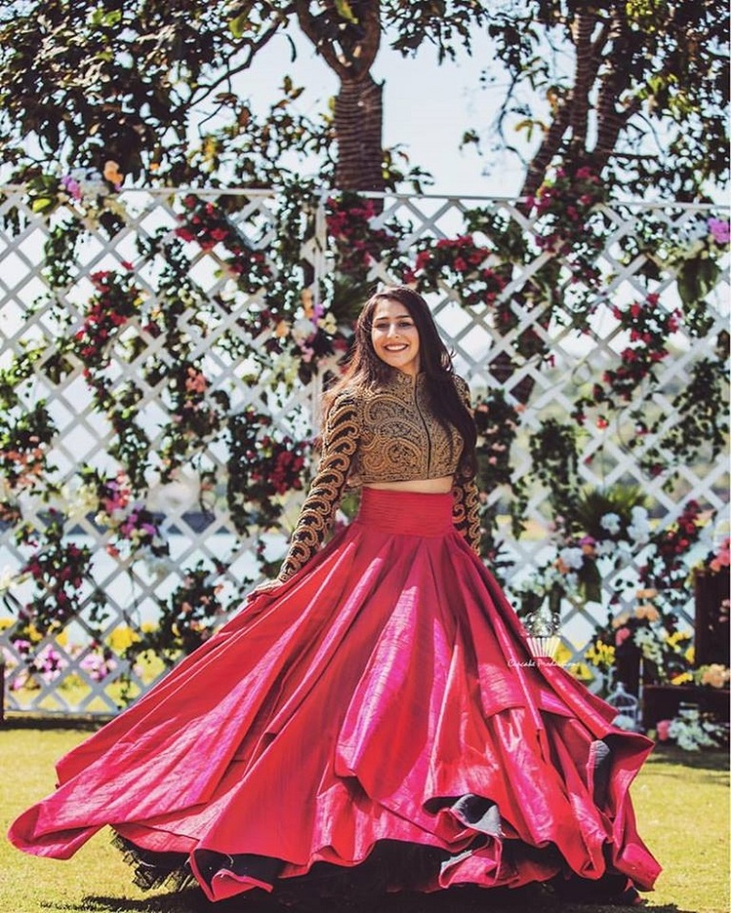 7 Contemporary Lehengas By Real Brides That Are Perfect For Your Sangeet Night!  #MajorInspo #WeddingTrends