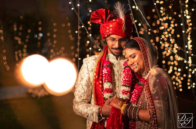 Pranav & Divya Delhi : The story of two pilots who personify the meaning of 'love is in the air'!