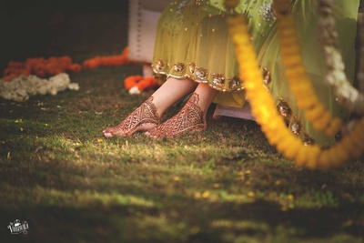 Feet mehndi ideas for the bride to be