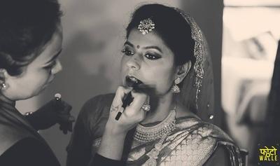 Bridal makeup by Shikha Chandra.