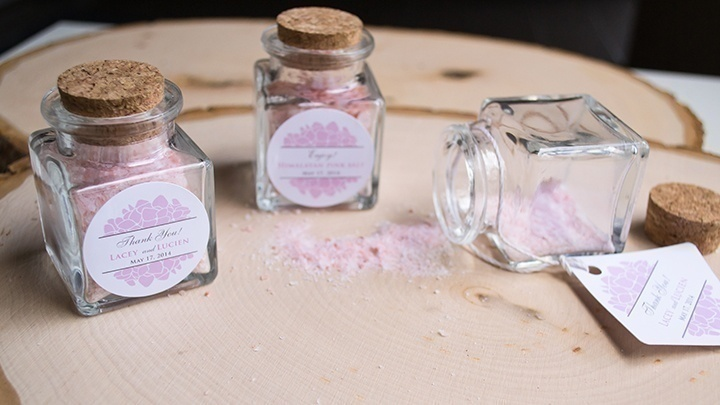 Wedding Gift Favours with your Invitation for a Minimal Themed Wedding.