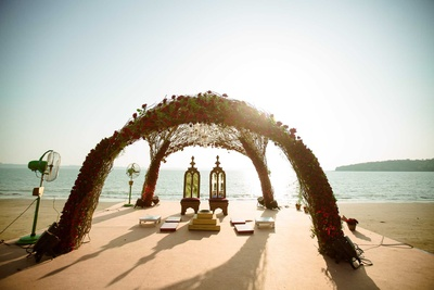 The unique wedding mandap by the beach!