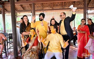 One big happy family at the haldi ceremony!