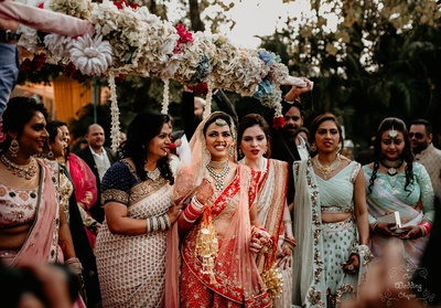 Pragya making her entry under the phoolon ki chaadar.