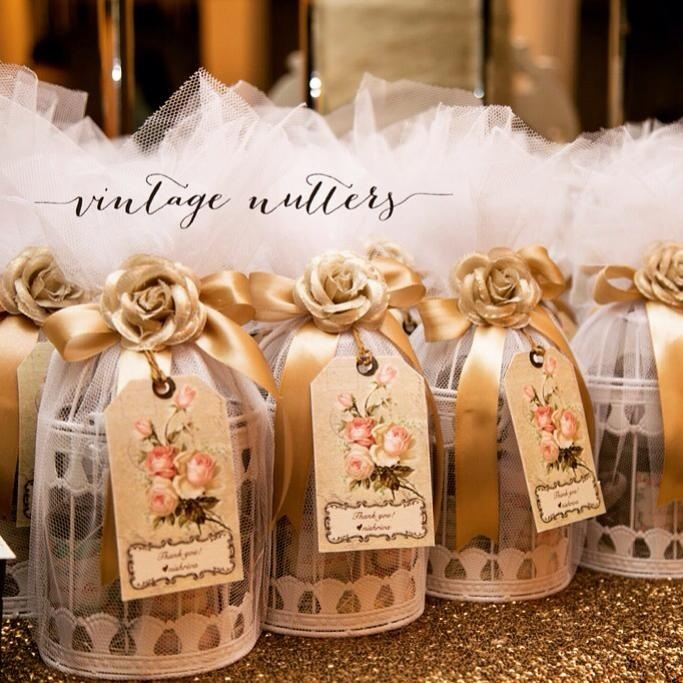 2f30fda38a730 Image Source - Vintage Nutters. How cute are these vintage bird cages for wedding  favours ...