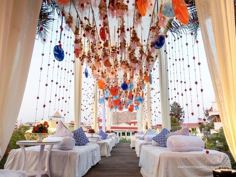 Add that extra oomph to your wedding decor with these