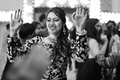 Candid bridal photography by Little Big Weddings.