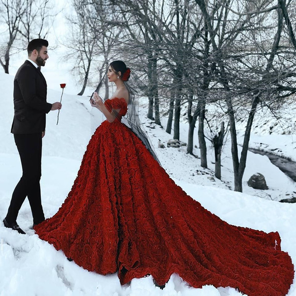 13 Couple Photoshoot Poses To Try In The Snow Wedding Photography Wedding Blog Letest 60 poses girls for sitting down/sitting posed only for girls photo wala gorakhpur contect 9794349953 gorakhpur. 13 couple photoshoot poses to try in