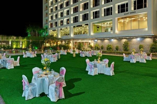 Hotel Express Inn, Nashik- Lawns in Nashik