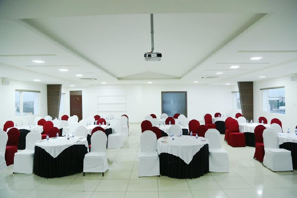 Hotel Jump In And Out, Peelamedu - Marriage Halls in Coimbatore
