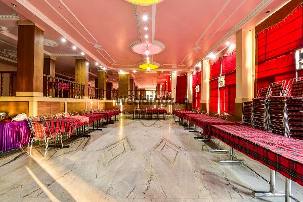 Hotel Falcon Crest, Shoghi - Banquet Hall in Shimla