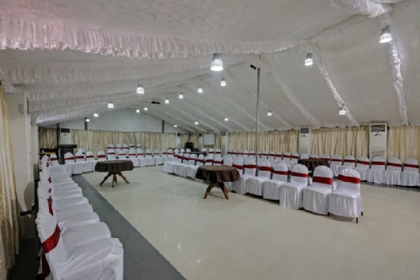 Hotel Holiday Resort, Chakra Tirtha Road - Resorts in Puri