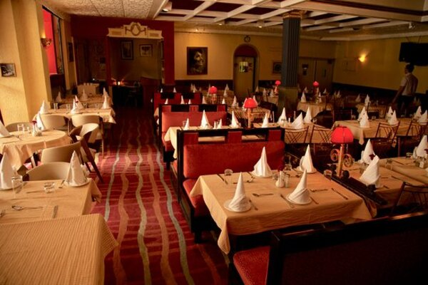 Trincas Restaurant And Banquet, Taltala - Small Party Halls in Taltala, Kolkata