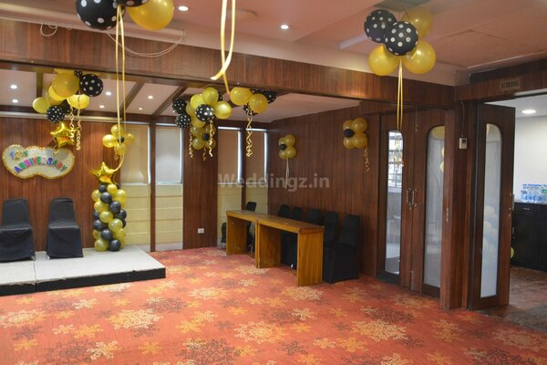 Dee Empresa Hotel, Taltala - Small Party Halls in Taltala, Kolkata