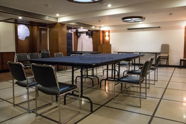 Lytton Hotel, Taltala - Small Party Halls in Taltala, Kolkata