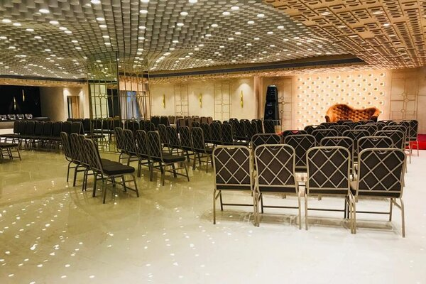 Royal Dine Restaurant, Surat- Small Wedding Venues in Surat