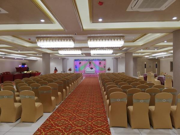 Acco Grand Hotel, Lucknow