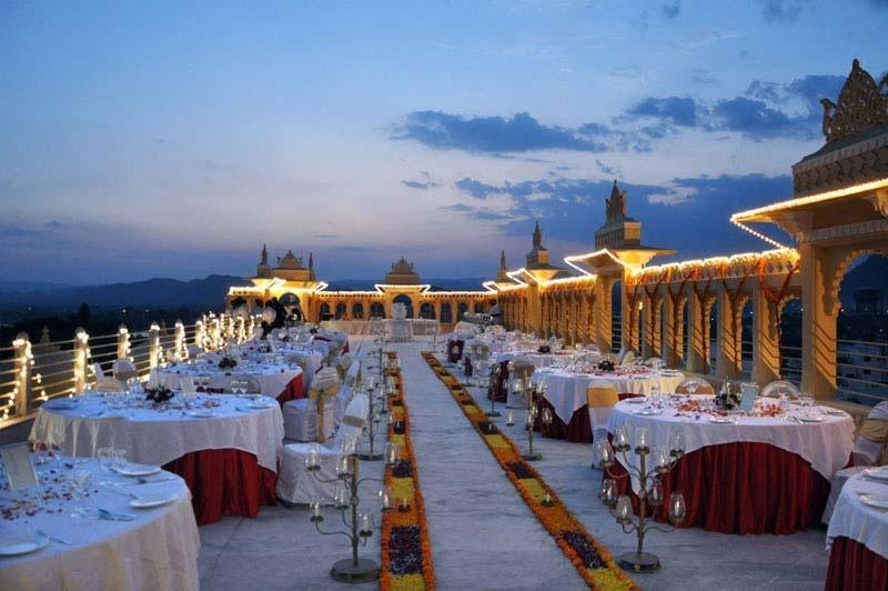 Radisson Blu Udaipur Palace Resort & Spa, Rani Road, Udaipur