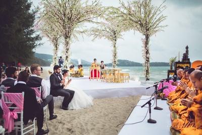 Hindu Kerala wedding in Buddhist style in Thailand