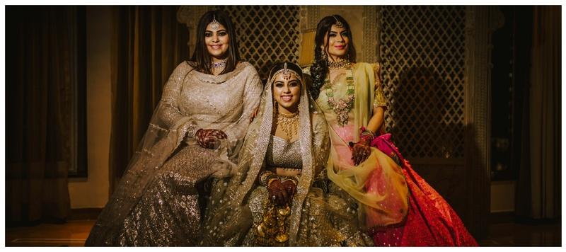 Pratik & Avantika Mumbai : This bride's sister styled her bridal look & the result is just too gorgeous! #BridesmaidsGoals