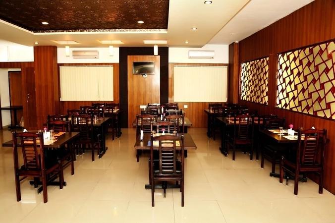 Hotel Narayans Leela Inn Gulab Bagh Road Udaipur - Banquet Hall