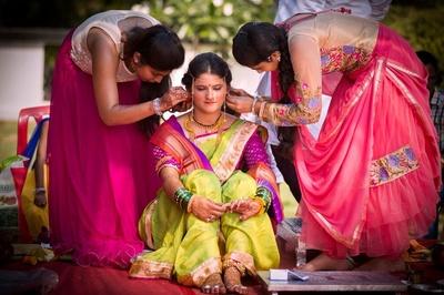 Delicate threaded Mundavalya