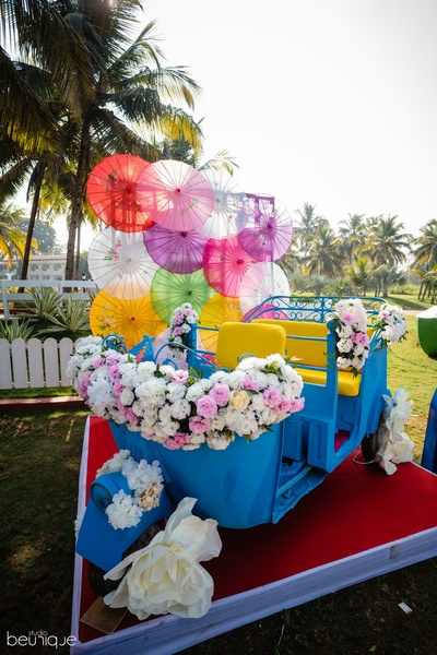quirky rickshaw decor for the haldi ceremony