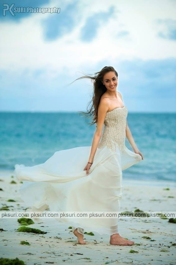 Real Bride Prianka\'s Bridal Wear Inspiration for Mehendi, Sangeet ...