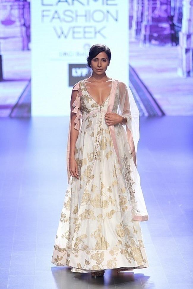 Get New Bridal Wear Inspiration Thanks to Anushree Reddy - Lakme Fashion Week