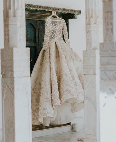 bridal wedding gown for the wedding ceremnoy