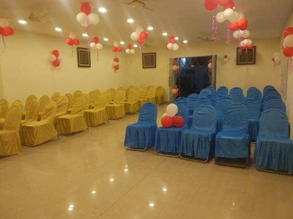 Friendli'z Restaurant And Banquet Aliganj Lucknow - Banquet Hall