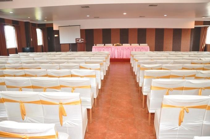 Holiday Hotel Cherai Kochi - Banquet Hall