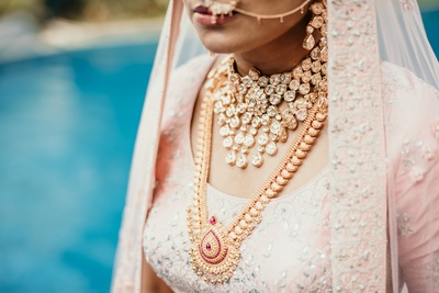 A close-up shot of the bride's gorgeous jewellery!
