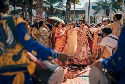 Family fun at the mehndi ceremony